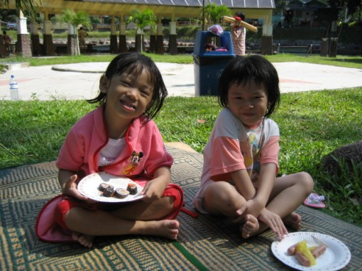 Julia and Tze Wei enjoying some grub after a swim.